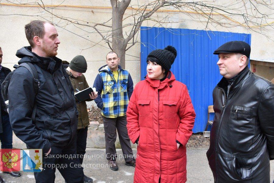 Артем Гордиенко проинспектировал ход реконструкции музея Крошицкого