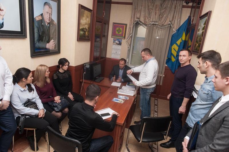 Фракция ЛДПР в Законодательном Собрании провела расширенное заседание с активистами Молодежной организации