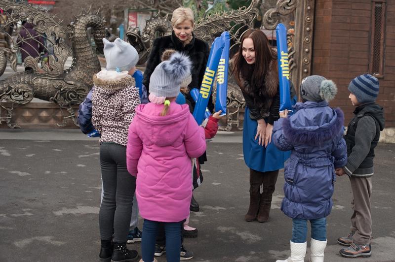 Севастопольские либерал-демократы организовали праздник мороженого для малышей из социального приюта
