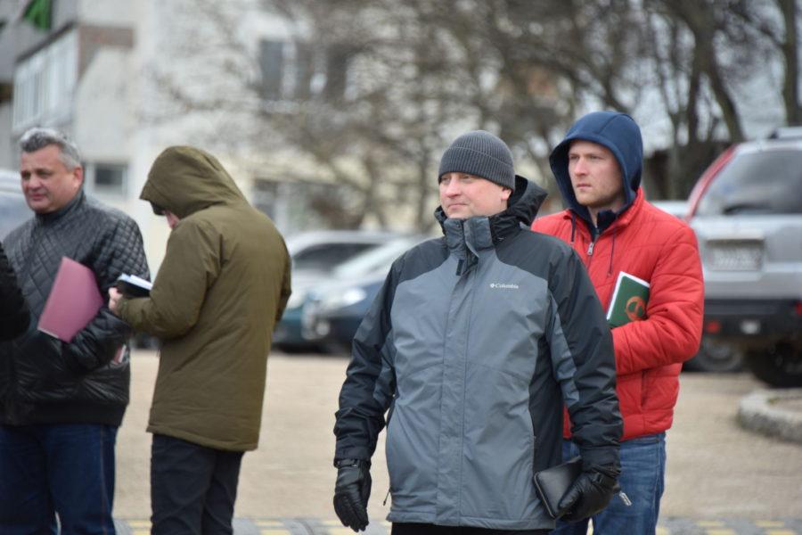 Депутаты от ЛДПР продолжают мониторить безопасность школ и детских садов Севастополя