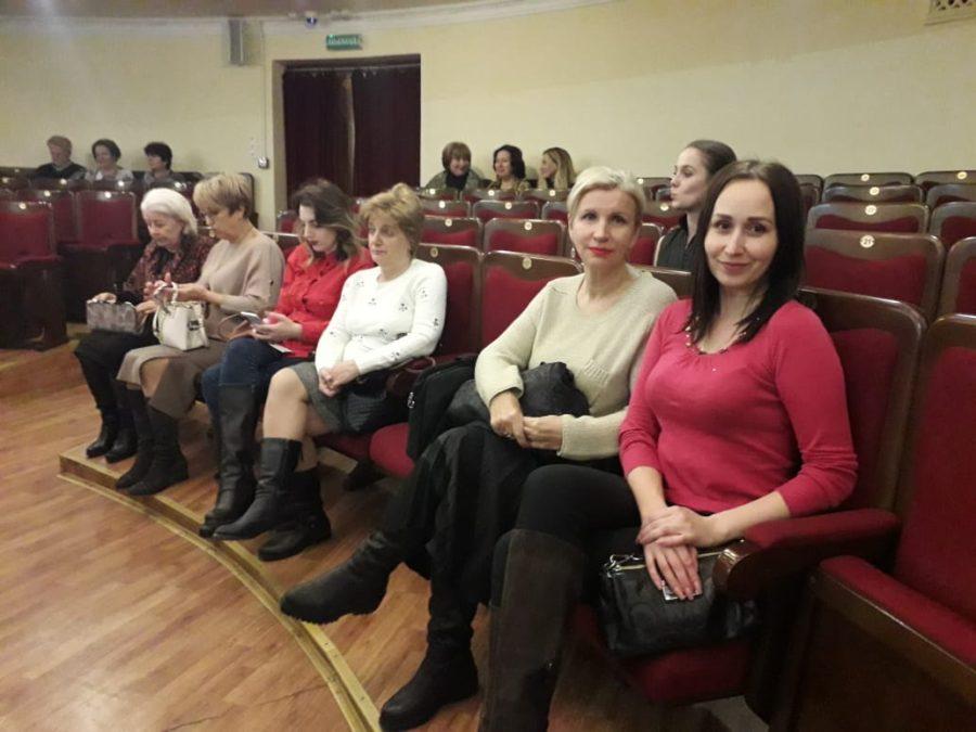 Партактив Нахимовского отделения посетил спектакль в театре Луначарского