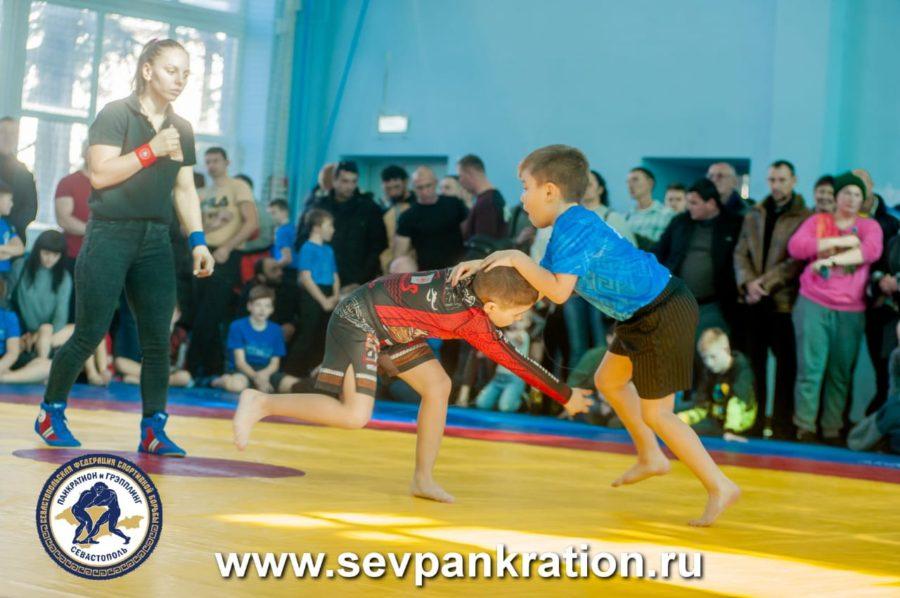 В Севастополе прошел турнир по грэпплингу «Юный динамовец»