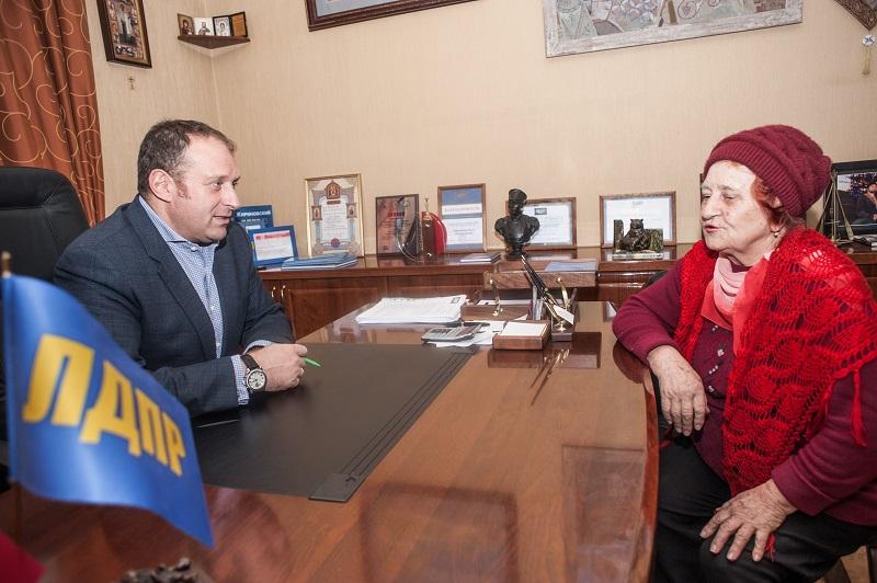 Илья Журавлев решает реальные проблемы севастопольцев