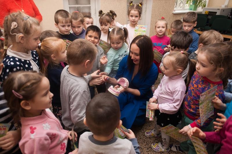 """В Севастополе продолжается акция """"Здоровые зубы с детства"""""""