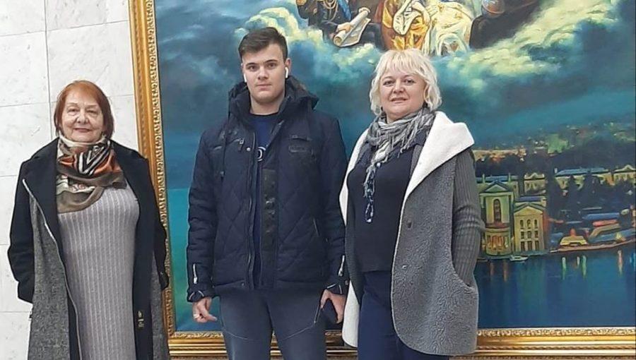 Партактив Ленинского отделения посетил концерт народного артиста Александра Сметанина