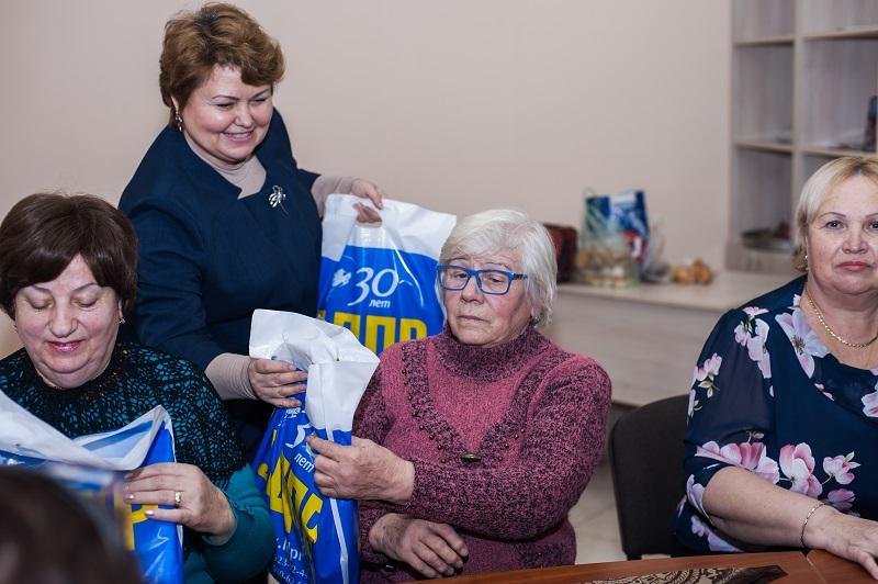 Партактив Гагаринского отделения поддерживает ветеранов района