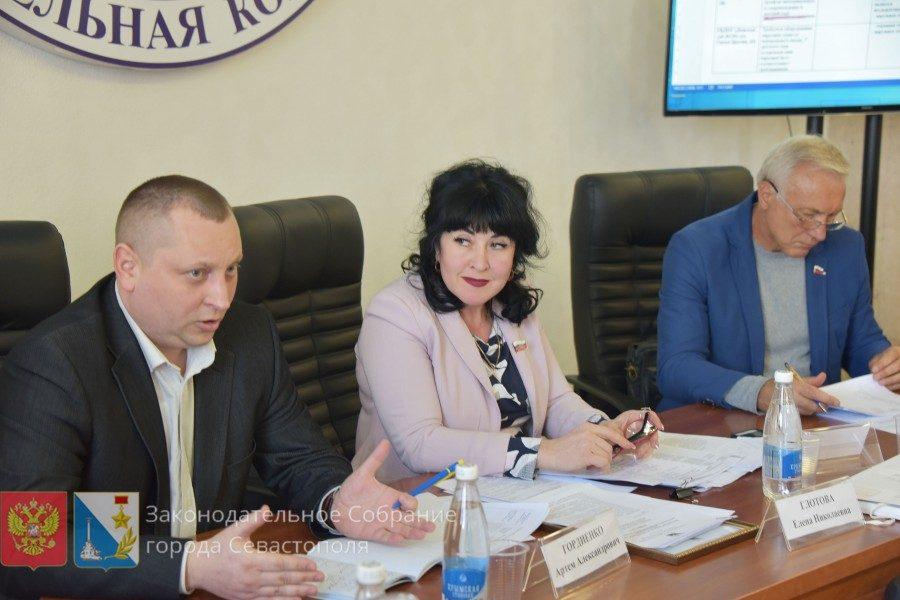 Депутаты выявили комплексные нарушения безопасности дорожного движения в районе школ и детсадов Севастополя
