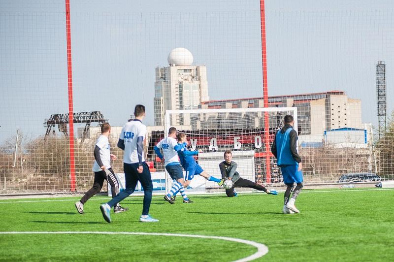 В Севастополе продолжается Весенний чемпионат по мини-футболу среди любителей